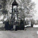 A temető haranglábja Liget-Szabó László tulajdona